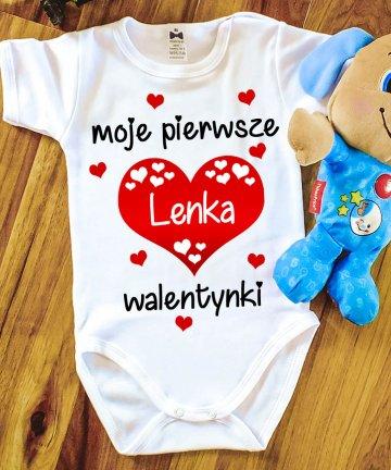 Białe body niemowlęce na Walentynki z imieniem, pierwsze walentynki